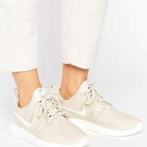 Nike Roshe 2 Premium Sneakers Beige Size 9